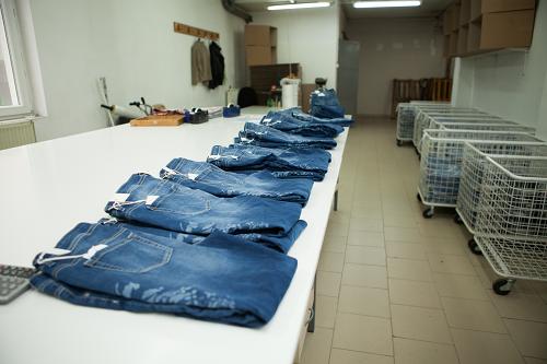 Team Fashion packing