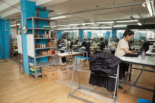 Team Fashion producing